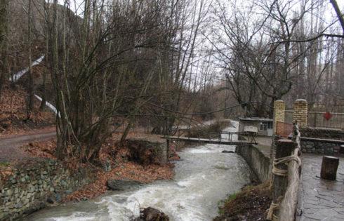 رودخانه ای در روستای آغشت