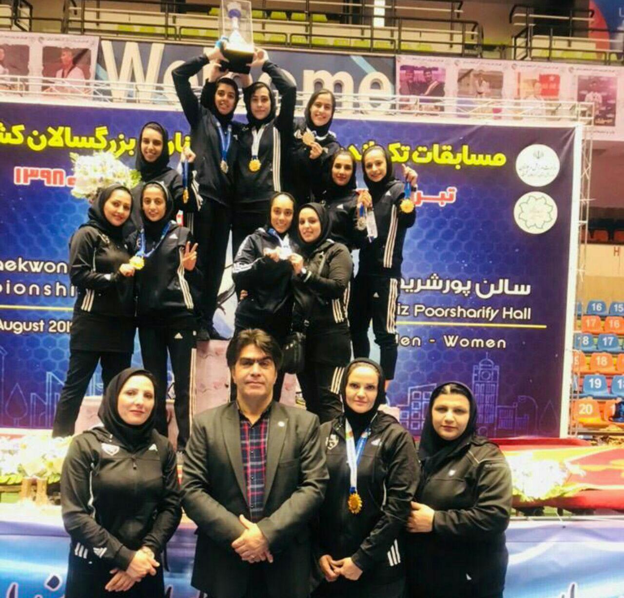 مدال آوران تکواندو کار دختران البرزی در مسابقات قهرمانی کشور
