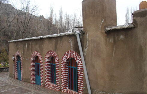 گرمابه ای قدیمی در روستای آغشت