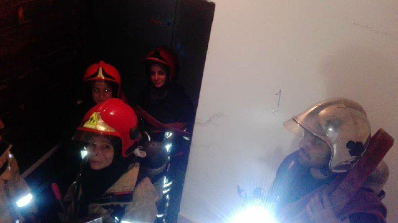 حضور زنان آتشنشان در اطفای حریق
