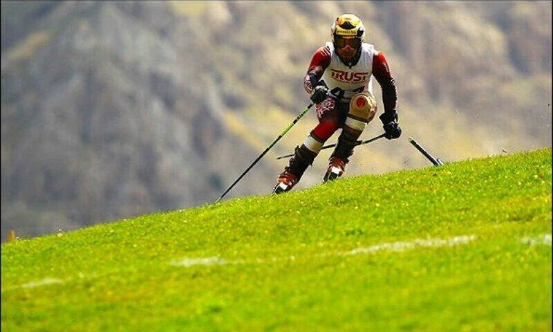 آغاز مسابقات بین المللی اسکی چمن در البرز