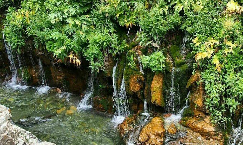نمایی زیبا از آبشار هفت چشمه البرز