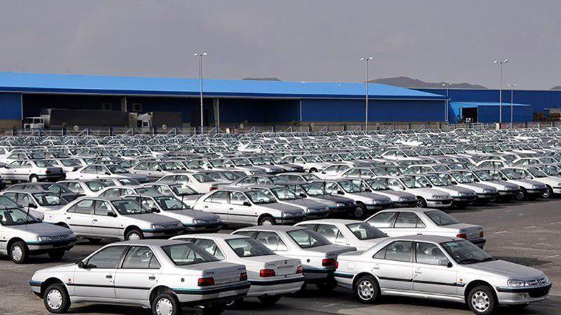 بدهی ۳۰ هزار میلیارد تومانی خودروسازان به بانک ها