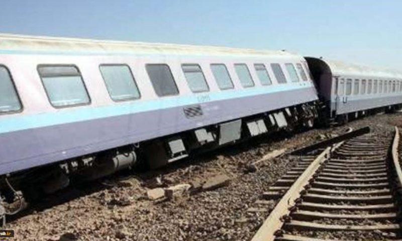 ۴۰ مسافر قطار زاهدان تهران بر اثر خارج شدن قطار از ریل زخمی شدند