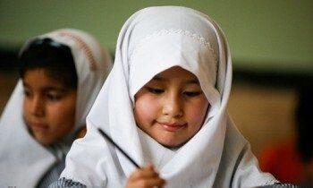 چه گروههایی از اتباع غیرمجاز میتوانند در مدرسه تحصیل کنند؟