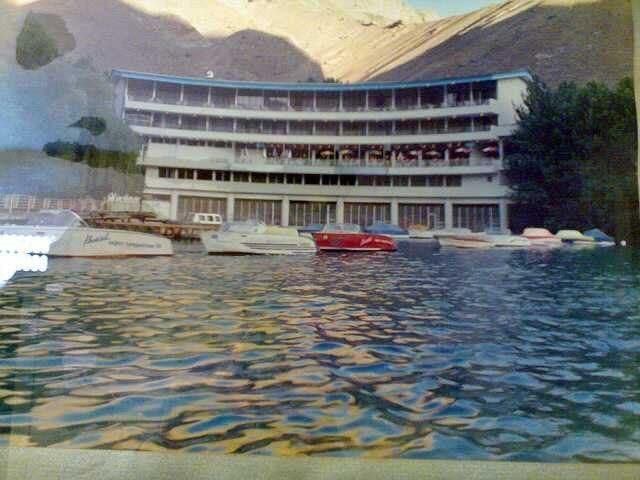 عکسی قدیمی از هتل واریان در جاده کرج چالوس