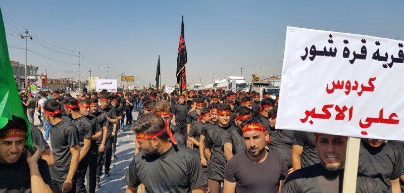برای اولین بار صدها جوان شیعی وسنی  موصل راهپیمایی حسینی راه انداختند