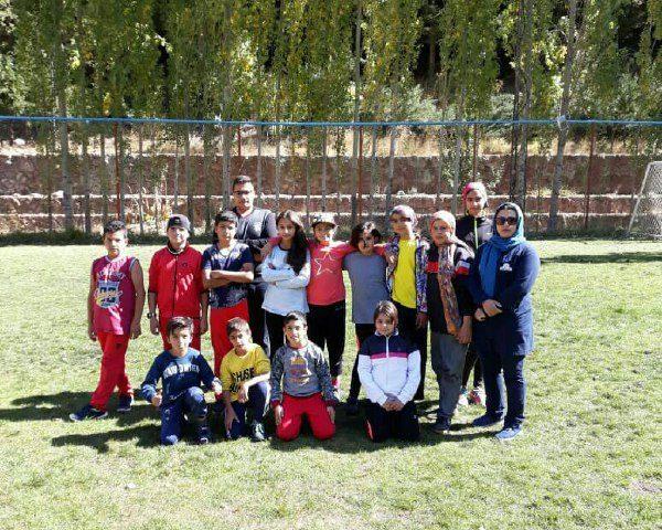 تمرینات آمادگی جسمانی تیم  استعدادیابی استان البرز در پیست بین المللی اسکی دیزین
