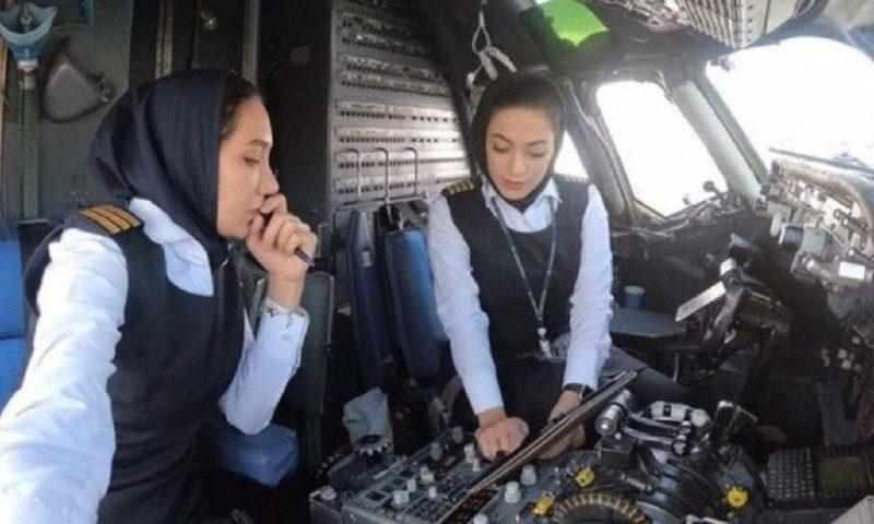 اولین پرواز رفت و برگشت تهران با دو خلبان زن