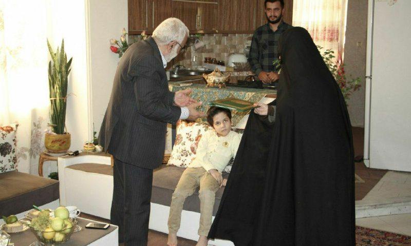 ️دیدار رئیس کمیته امداد کشور با خانواده امدادگر شهید مدافع حرم البرزی