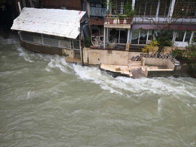 شورا عالی امنیت ملی ، دستور قلع و قمع زمین و بناهای اطراف ( حریم ) رودخانه کرج را داد