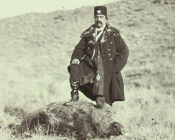 عکسی از ناصرالدین شاه بعد از شکار در شهرستانک کرج