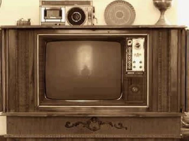 ۱۱مهر۱۳۳۷ اولین برنامه تلویزیونی در ایران