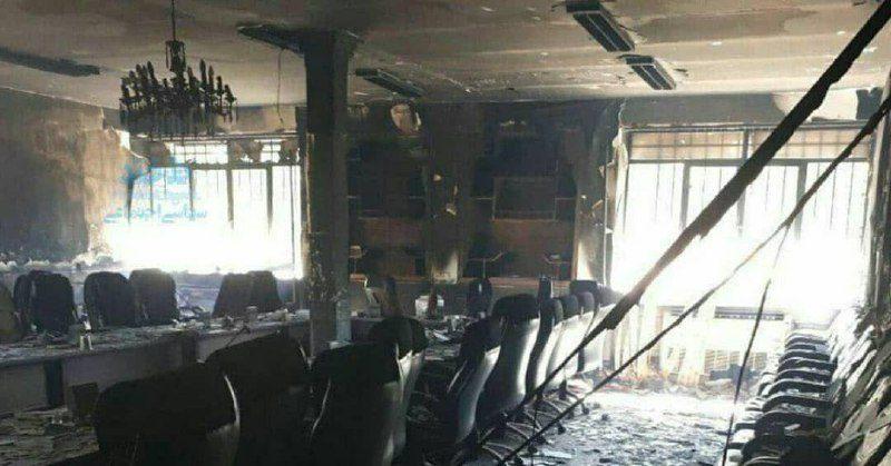تصویری از داخل فرمانداری لردگان پس از آتش زدن توسط معترضان