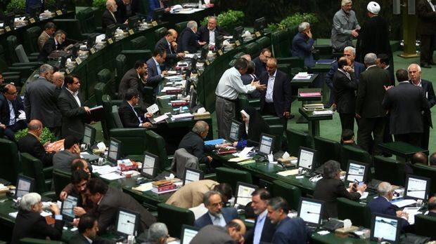 اعتراض در مجلس ایران به طرح انتقال آب خزر به سمنان