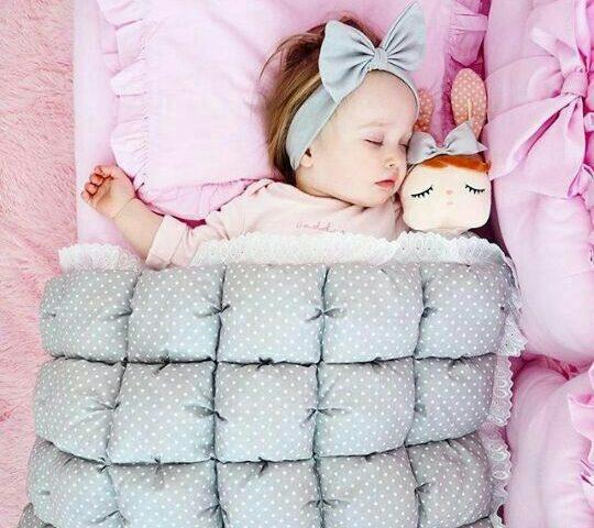 وقتی فرزندت میخوابد به او نگاه