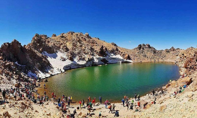 دریاچه زیباى قلهسبلاندر است