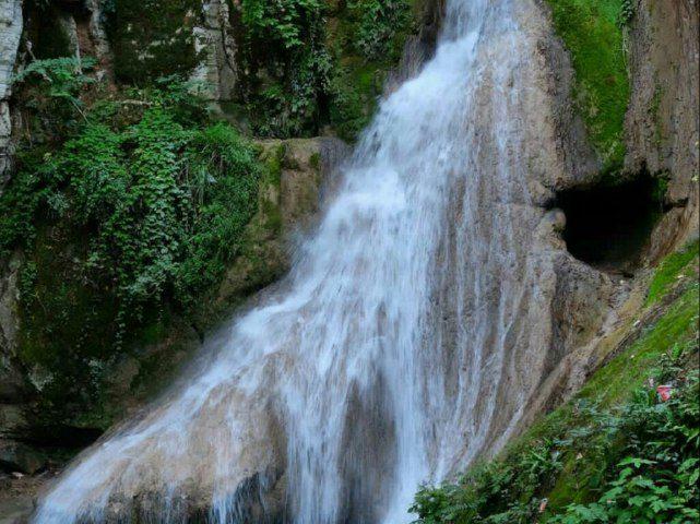 آبشار لوه گلستان  •