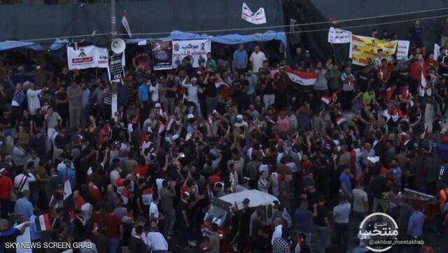 معترضان عراقی همچنان در خیاب