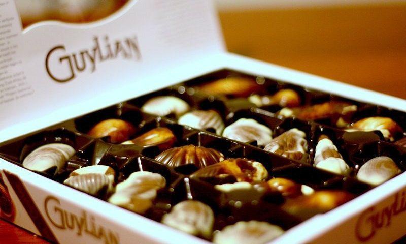 شکلات صدف  نقل می کرد؛ آن سا