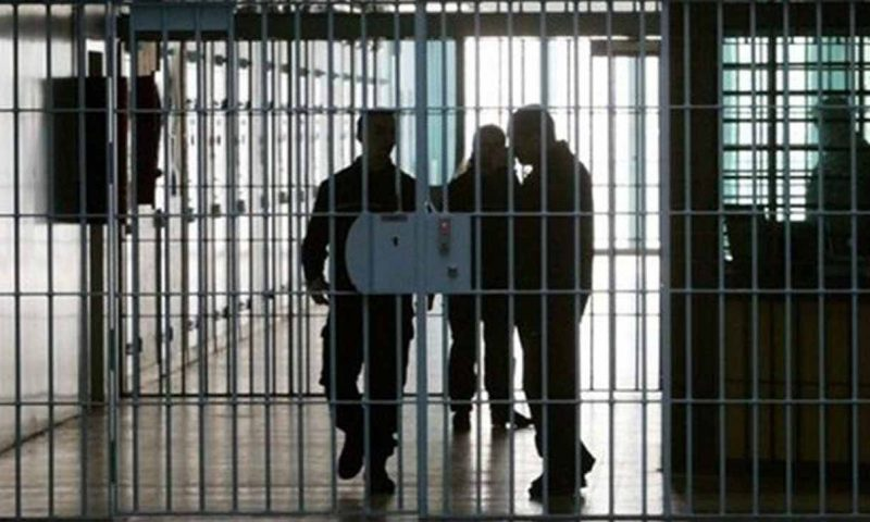 اجرای طرح فاصلهگذاری در زندانها غیر ممکن است